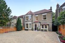 6 bed property in Willesden Lane, London...