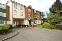 1 bedroom Ground Flat in Missenden Gardens...