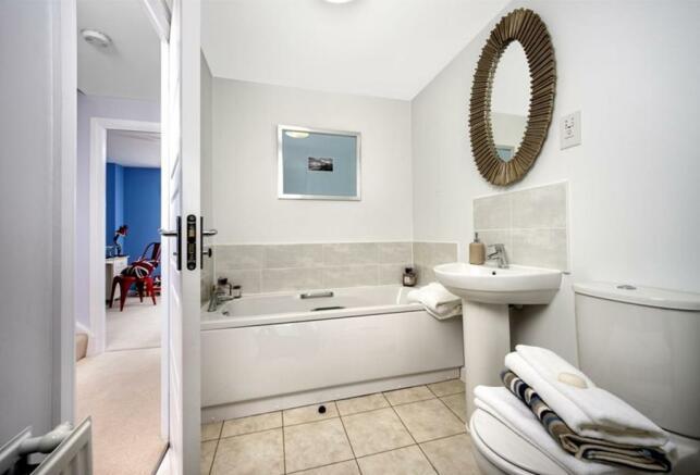Similar Abingdon Show Home Bathroom