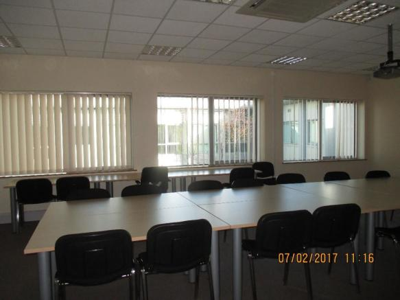 Office 211