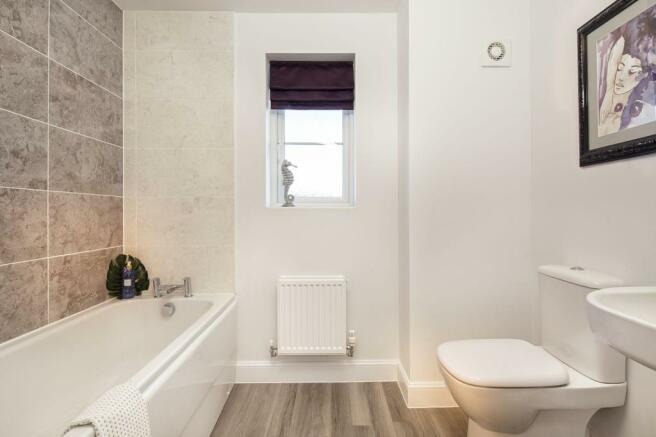 Typical Warwick family bathroom