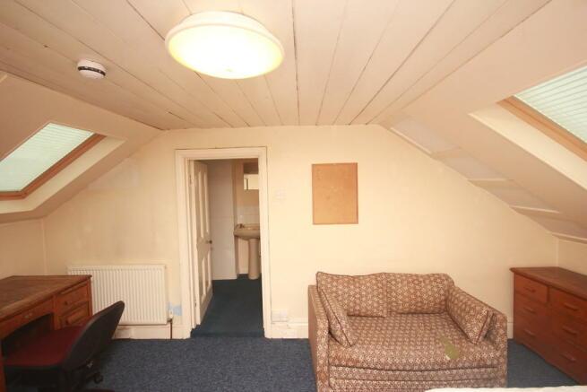 Bedroom 4 - Seati...