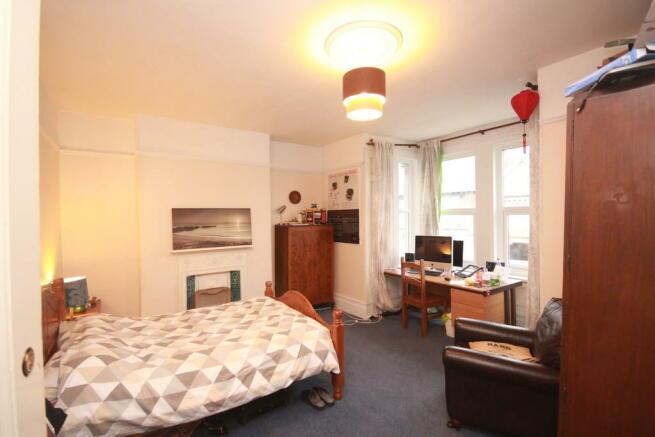 Bedroom 6 (1)
