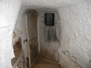 Room 1 cave 2