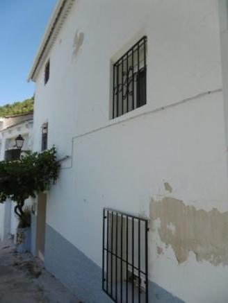 Village property in Don Pedro