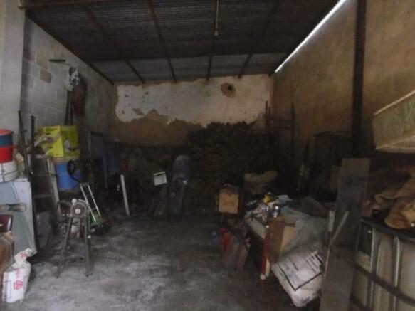 Large garage/workshop