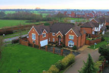 5 bed Detached home for sale in Croft Gardens...