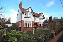 4 bedroom Detached house in Ruthin Road, Mold...
