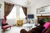 Flat to rent in Crockerton Road, London...