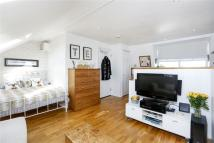 Garratt Lane Apartment to rent