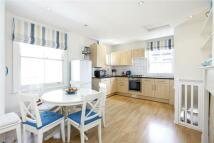 4 bed property in Allfarthing Lane, London...
