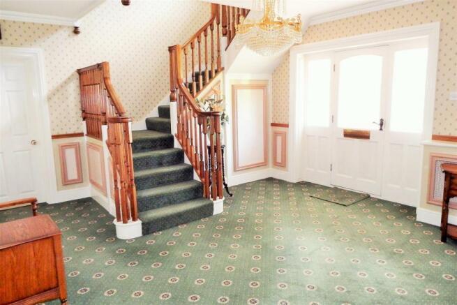 Hallway Richrose Hou