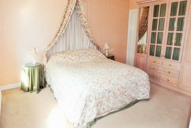 Master Bedroom Richr