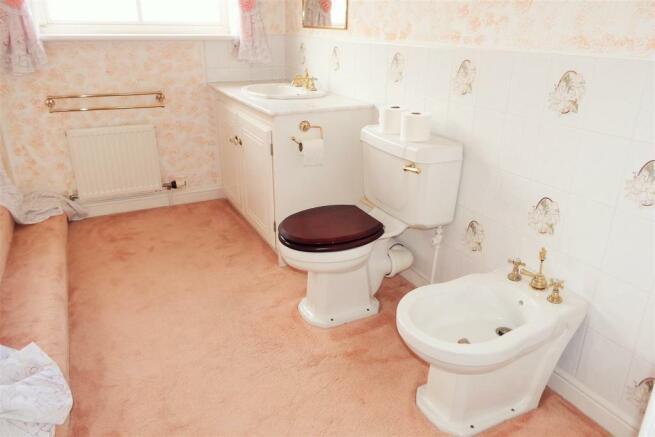 Bathroom Richrose Ho