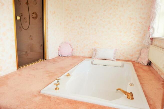 Bathroom 2 Richrose