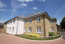 Apartment to rent in Stoneylands Road, Egham...