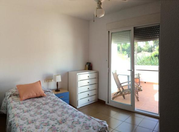 3 Bedroom to Terrace