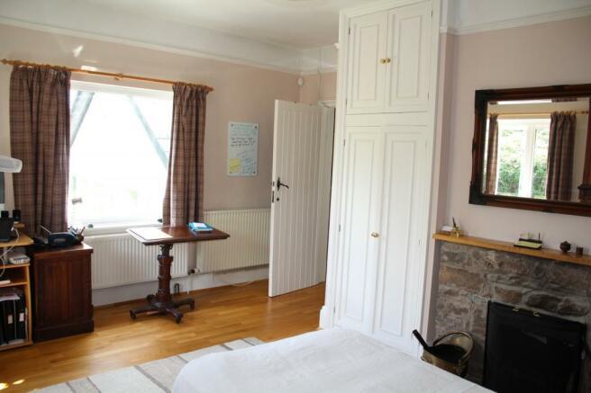 Bed 3 window