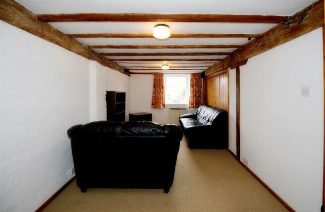 18003_Riverhead Cour