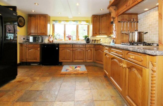 1009_Clara's Cottage