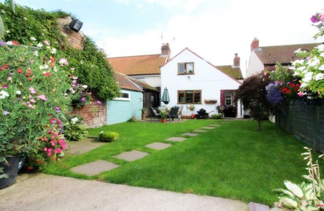 1019_Clara's Cottage