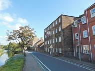 Flat to rent in High Street, Spalding...