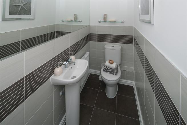 The Romans at Augusta Park - Crofton Showhome - Cloakroom
