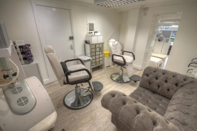 BEAUTY ROOM TWO