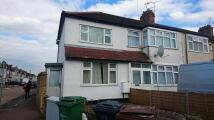 2 bedroom house to rent in Grasvenor Road, Dagenham...