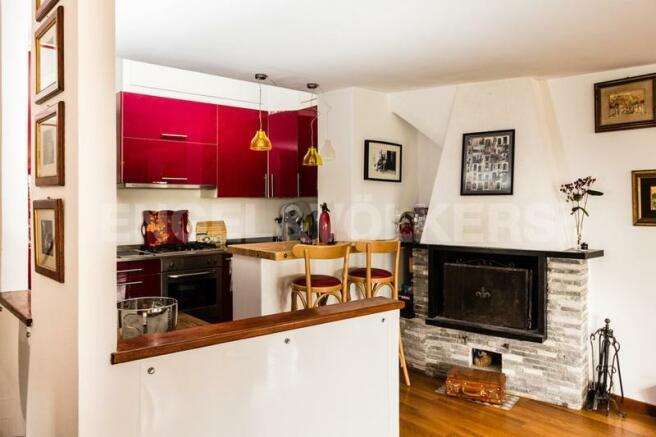 Arenzano Pineta - Penthouse, Kochnische mit Kamin