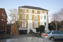 Studio flat to rent in Berrylands, Surbiton...