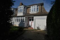 4 bedroom semi detached property to rent in The Byeways, Surbiton...
