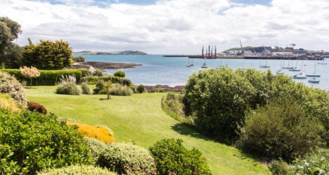 Bedroom detached house for sale in flushing falmouth cornwall - 5 Bedroom Detached House For Sale In Trefusis Road