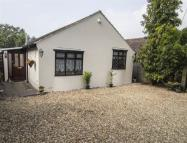 3 bedroom Detached Bungalow for sale in London Road, Henfield