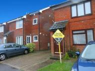 Flat to rent in Thamesmead Close...