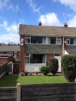 Town House to rent in Holly Grove, Lees...