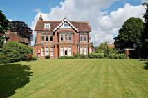 Apartment to rent in Heath Road, Petersfield