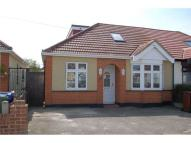Semi-Detached Bungalow to rent in Parkside, GRAYS
