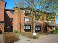Flat in Gladbeck Way, ENFIELD