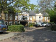 Flat to rent in Foxwood Green Close...