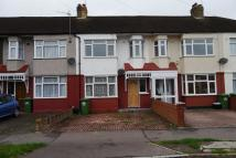 3 bed Terraced property in Northfield Road...