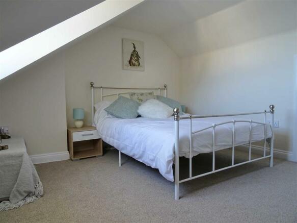 LOFT BEDROOM:
