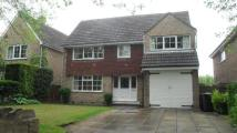 4 bed Detached house in Fenay Lane, Almondbury...