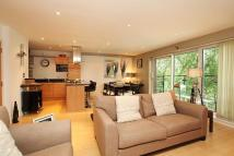 Apartment in Dukes Court, Mortlake...