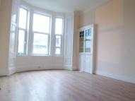 2 bed Flat to rent in Broomlands Street...