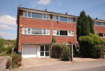 2 bedroom house to rent in Rothes Road, Dorking