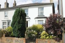 3 bed semi detached house in Howard Road, Dorking