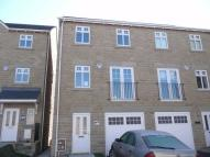 4 bed semi detached home to rent in River View...