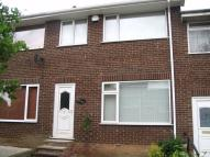 Town House to rent in Elmwood Drive, Walton...