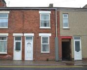 2 bedroom Terraced house in Pasture Street, Grimsby...